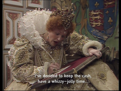 Queeniw in Blackadder Chains